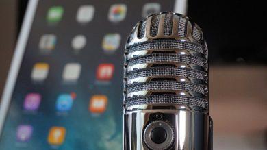 microphone-2469295_640